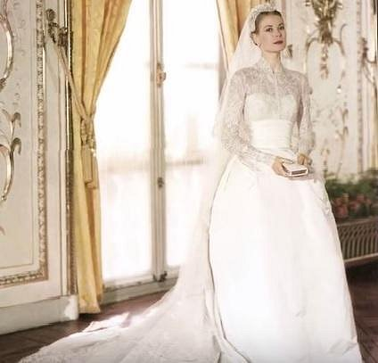 10. Svatební šaty Grace Kelly z dílny Helen Rose