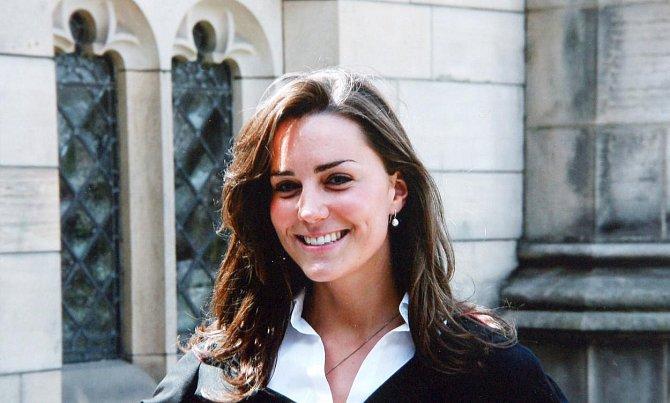 Kate odpromovala na univerzitě St. Andrews v roce 2005, vystudovala dějiny umění.