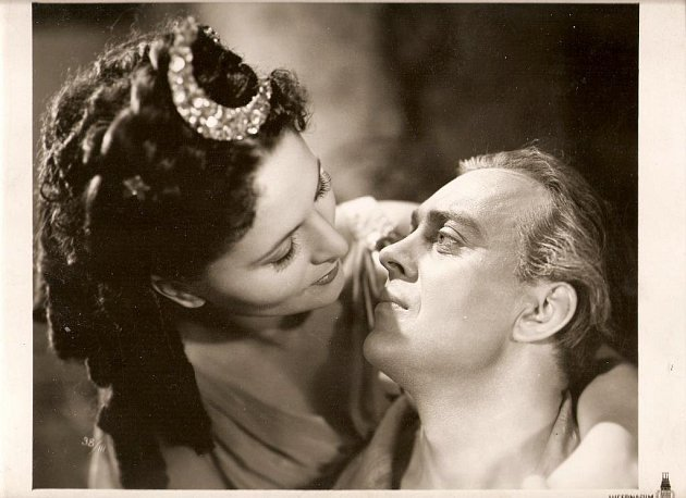 Karel Höger ve filmu Tanečnice