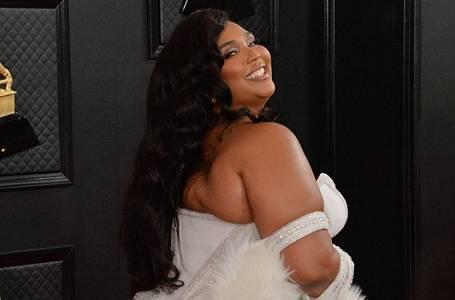 Lizzo a další XXL krásky na cenách Grammy zazářily
