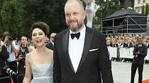 Martha Issová je dnes ženou Davida Ondříčka, který kdysi chodil s její sestřenicí Klárou.