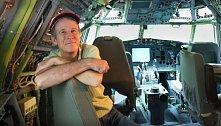 Boeing – Bruce Campbell se rozhodl, že si pořídí vrak letadla.