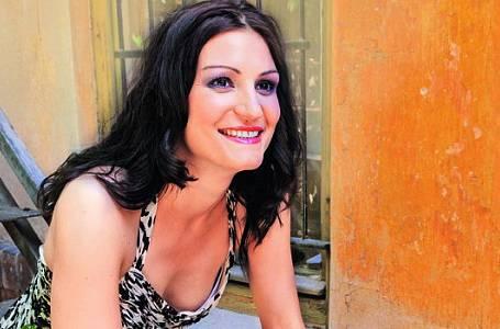 Zpěvačka Hana Robinson – Kvůli nemoci ji opustil manžel. Nevzdává se…
