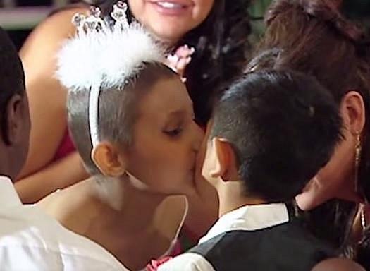 Jayla Cooper a Jose Griggs během krásného obřadu, při kterém si nechali posvětit své přátelství.