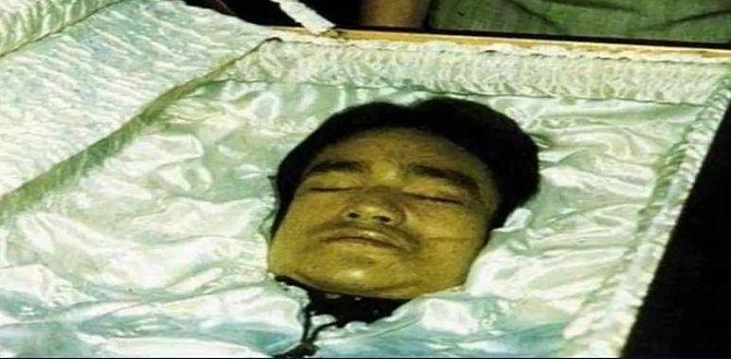 Bruce Lee - zemřel 20. 6. 1973 vinou alergické reakce na analgetika. Bruce byl podle svých fanoušků zavražděn.