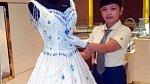 9. Perlové svatební šaty