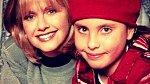 Olivie Newton-John a Chloe Rose Lattanzi před pětadvaceti lety.
