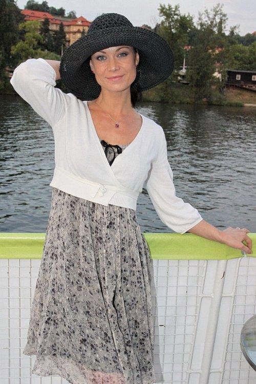 Herečka Šárka Ulrichová - Poslala ji role do léčebny?