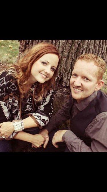 Nick a Carrie spolu byli od dětství.