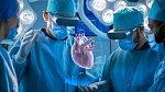 Při transplantacích pomáhají špičkové technologie.