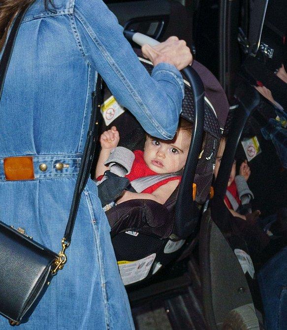 Manželka George Clooney Amal porodila loni v létě dvojčata, a tak i ji letos čeká první oslava Dne matek.