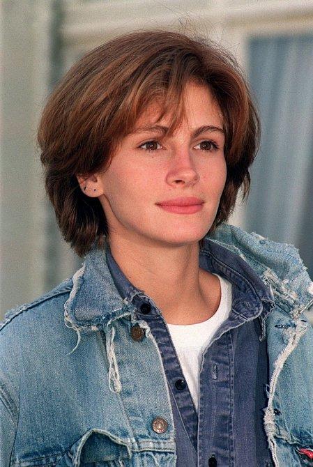 Julia nosila ve filmech bezpočet účesů.