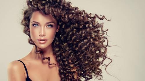 Vlasy jsou korunou krásy každé ženy.
