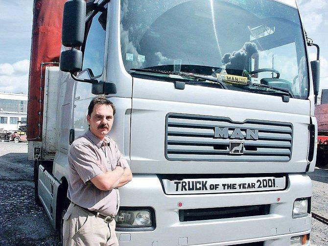 Broněk Černý jezdí kamionem, k herectví se nevrátil.