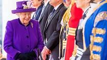 Královna miluje pastelové odstíny.