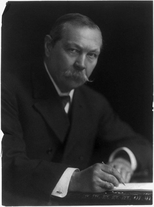 """Sir Arthur Conan Doyle - obrátil se ke své ženě a řekl: """"Jsi úžasná."""""""