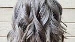 Co s tím? Barveným a šedivým vlasům dopřávejte speciální péči.