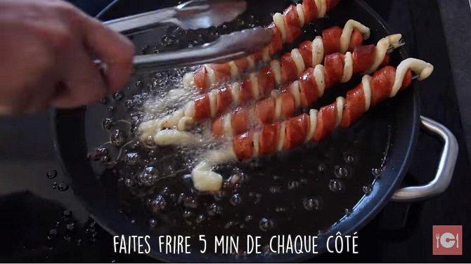 Dejte smažit (cca 5 minut po každé straně) nebo péct do předem vyhřáté trouby na 180 °C na cca 10 minut.