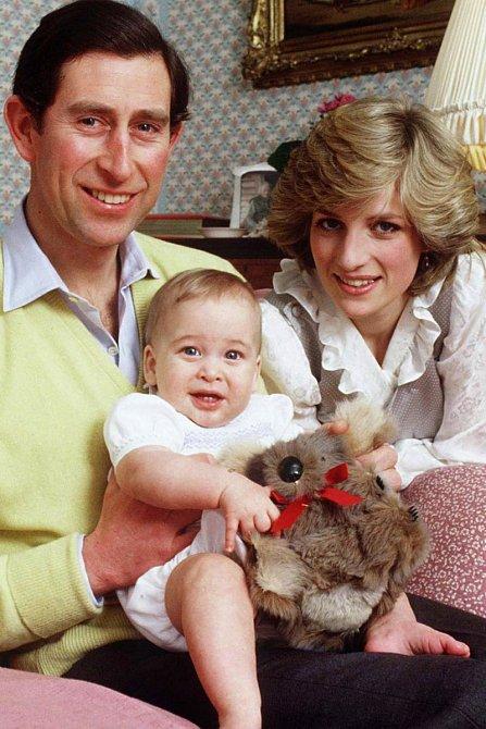 Princ Charles s Dianou a synem