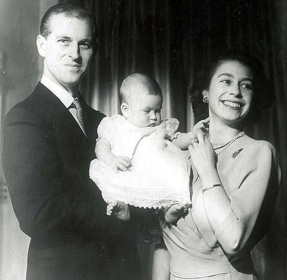 Královna našla rovnováhu mezi vládnutím a rodinou.