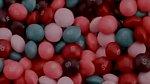 Tritanopie je ztráta vidění modré barvy. Člověk pak vidí svět téměř výhradně v odstínech červené a růžové.