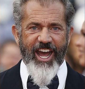 Mel Gibson - Mel se jednoho hezkého dne opil a šel se projet, hlídce, která ho zastavila, rasisticky a sexisticky nadával a nepřestal ani, když vystřízlivěl. Teď si role musí psát sám.
