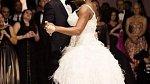 První společný tanec, na který se Serena převlékla.