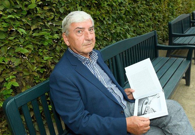Miroslav Donutil oslavil sedmdesátý narozeniny