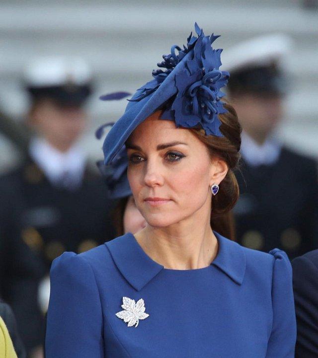 V modrém modelu se vévodkyně Kate představila v 24. září 2016 ve Victorii v Kanadě.