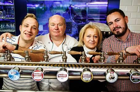 Krušovická Šalanda v Řepích: K Línům se chodí na vyhlášenou svíčkovou i pivo jako křen