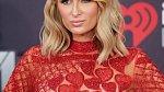 Paris Hilton a její obří zásnubní prsten. Na svatbu ale nedošlo.