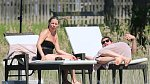 Britská modelka Kate Moss také zná slovo, které trápí téměř každou ženu na světě. Celulitida. Dvaačtyřicetiletá Kate tráví další dovolenou po boku přítele Nicolase, tentokrát v Rakousku.