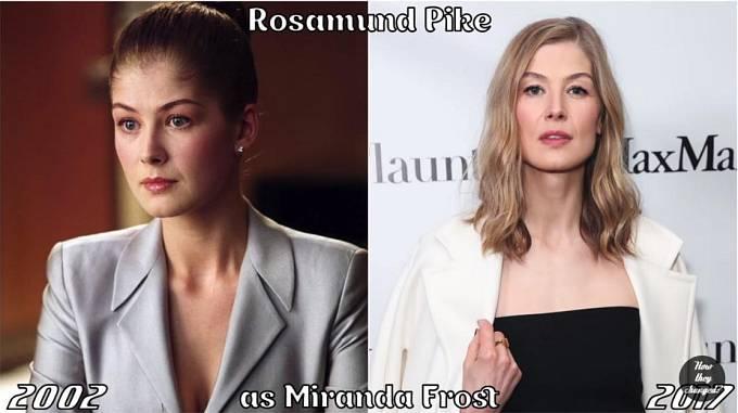 Herečka Rosamund Pike coby Miranda Frost