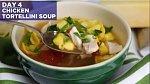 Kuřecí polévka s tortellinami - Co budete potřebovat: Na vývar: kosti z opečeného kuřete, 12 hrnků vody, 1 cibule, 1 stonek řapíkatého celeru, 1 mrkev, 2 lžičky celého pepře a 1 lžička soli. Dále: 2 lžíce másla, 1 cibule, sůl a p...