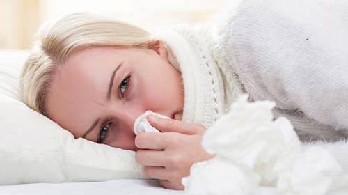 Znáte rozdíly mezi chřipkou a nachlazením? Zaměňovat je se nevyplácí!