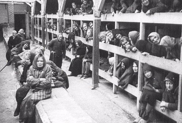 Ubytovny v Osvětimi byly plné nemocných žen o které bylo potřeba se postarat. Stanislawa nedělala mezi ženami rozdíly. Starala se o všechny.