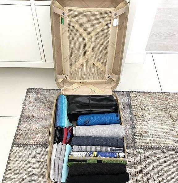 Balení je s metodou KonMari velmi jednoduché, na první pohled je vidět, kde se co v kufru nachází.