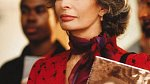 Sophia Loren stárne s grácií.