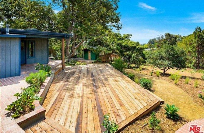 Dům v Malibu slouží v podstatě jako taková chata. Má jen tři ložnice.