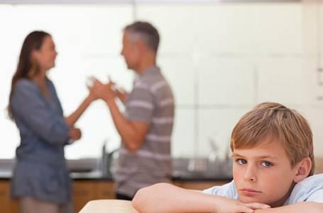 Jak říct dítěti: S tátou se už nemáme rádi?