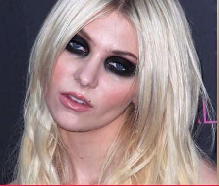 Taylor Momsen - Halloween už byl...