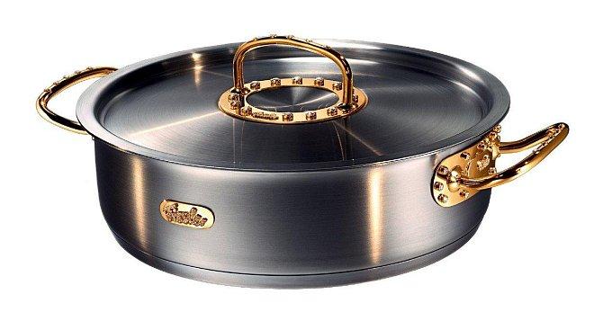 Hrnec - 100 000 liber: Hrnec ze zlata je osázen diamanty a v luxusním britském nákupním domě Harrods jej nabízeli pouhé dva týdny, než byl prodán.