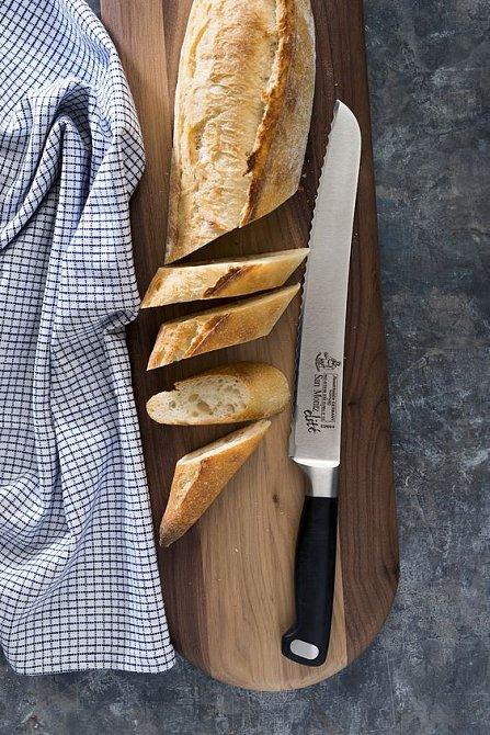 Chleba je základem jídelníčku.