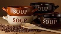 Čočkovou polévku si dopřávejte pravidelně, nejen na Nový rok.