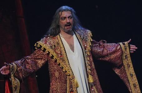 Dan Hůlka si nastěhoval do baráčku Kačenku!
