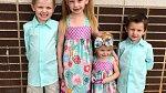 Všichni čtyři sourozenci se mají moc rádi.