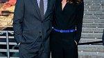 Jejím manželem je slavný herec Edward Burns.