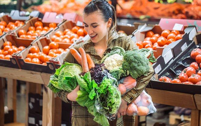 Zeleniny není nikdy dost. Dbejte na přípravu. Při smažení narůstají kalorie geometrickou řadou.