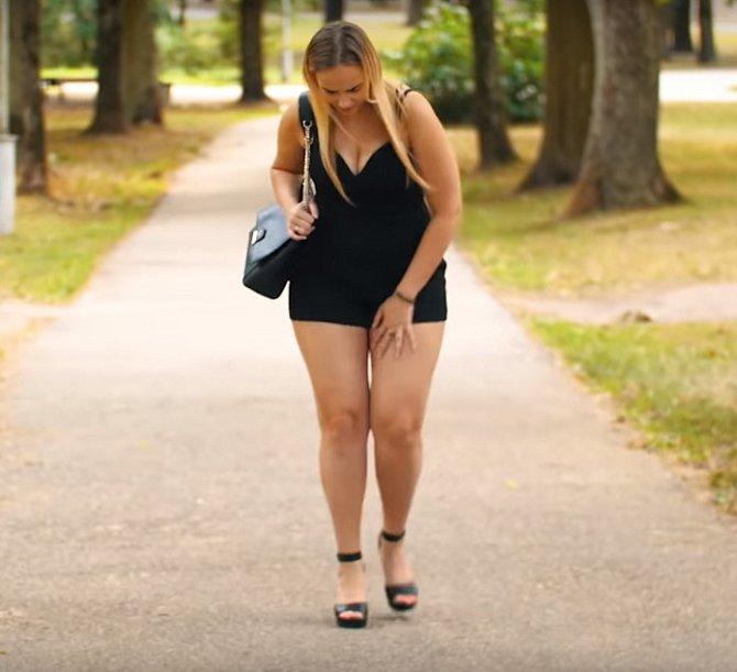 A malý tip na léto, odřená stehna známe všechny a to i velmi štíhlé ženy. Může za to hlavně postavení kyčlí.
