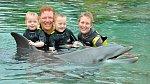 Plavání se delfíny byl jeden ze splněných snů.